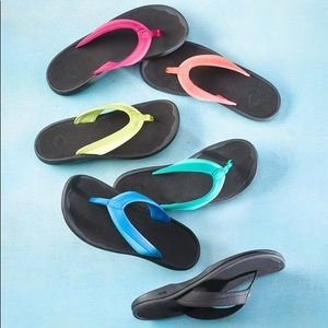 OluKai Silver Ohana Women's Flip Flop Sandals